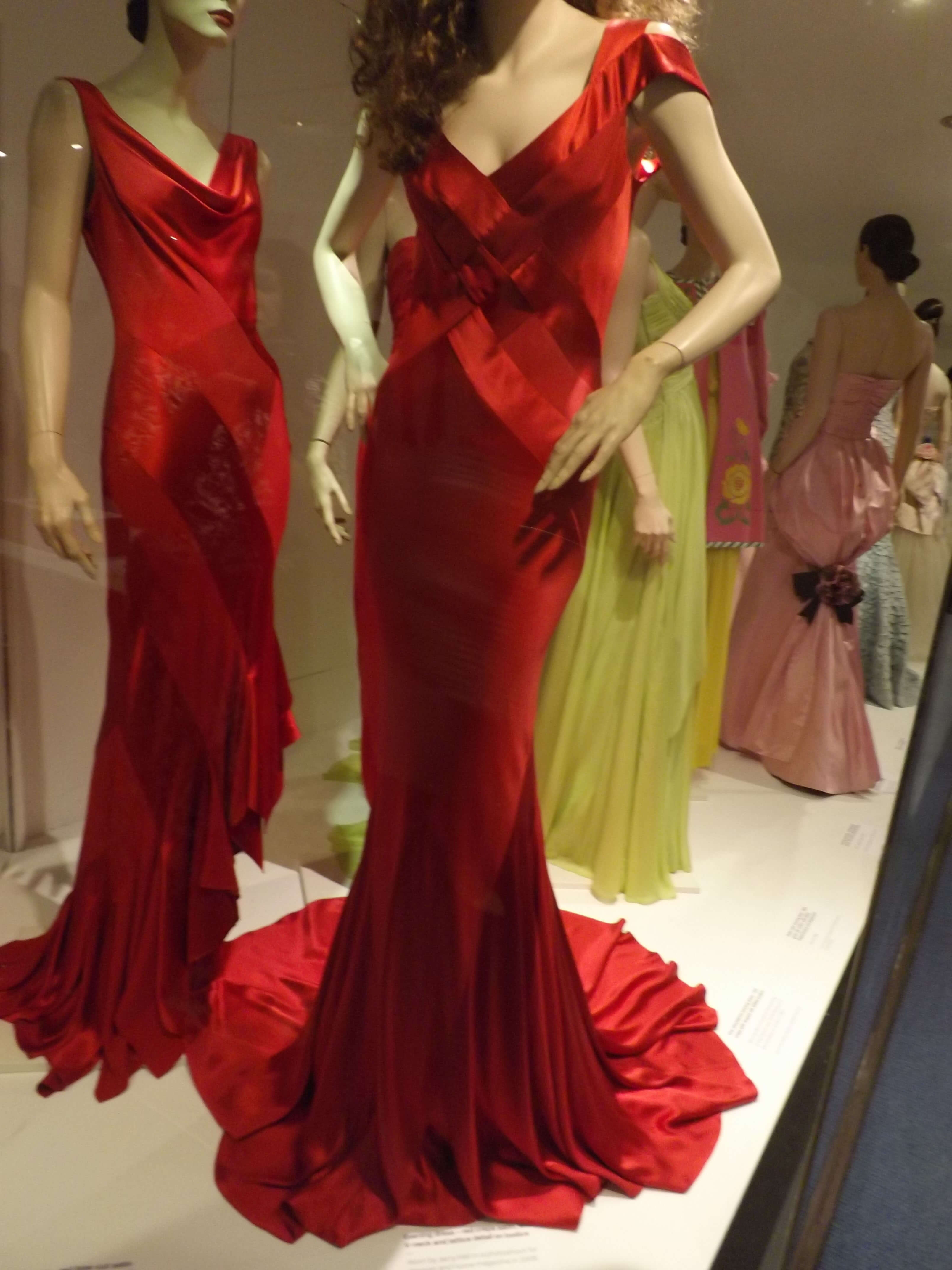 Jerry Hall red dress